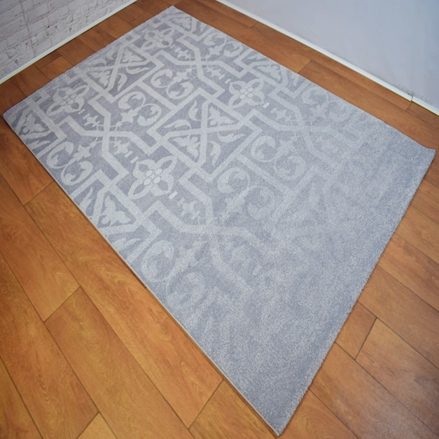 Traditional Pattern Silver Grey & White Rug