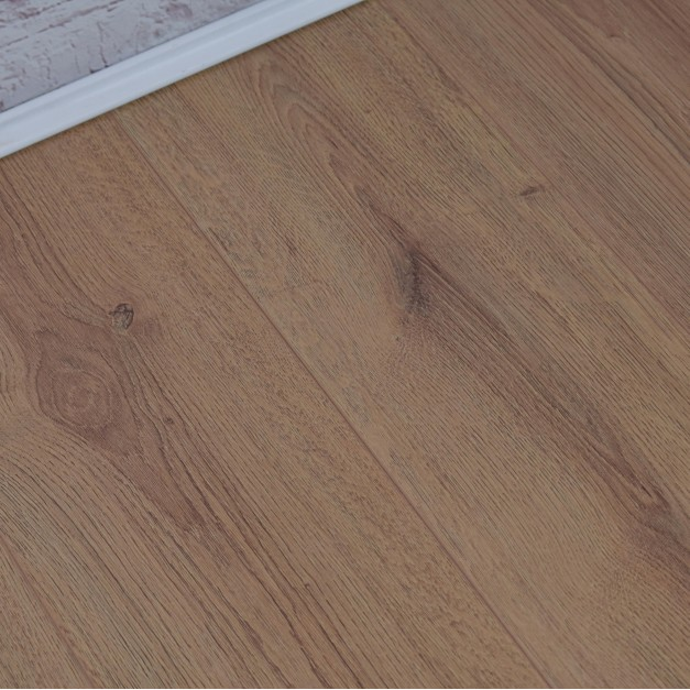 Geneva Elite Natural Oak Laminate Flooring
