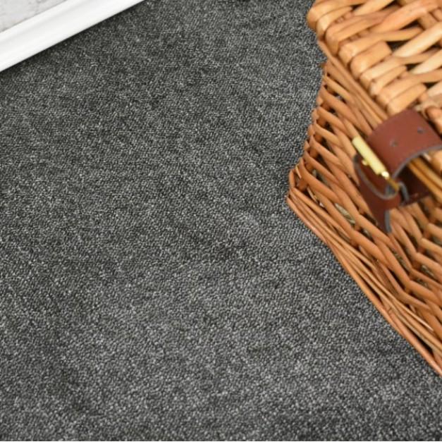 Velvet Anthracite Saxony Carpet